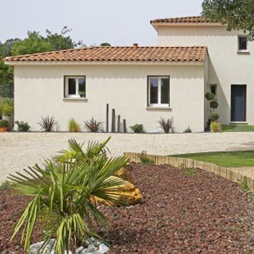 Une Villa Semi Contemporaine Greasque